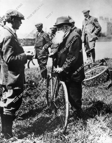 John Boyd Dunlop : l'inventeur du pneumatique - copyright Hulton Getty